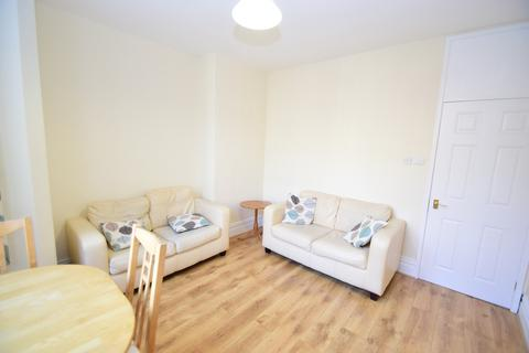 3 bedroom ground floor flat to rent - Windsor Terrace, South Gosforth, NE3