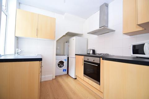 2 bedroom ground floor flat for sale - Simonside Terrace, Heaton, NE6