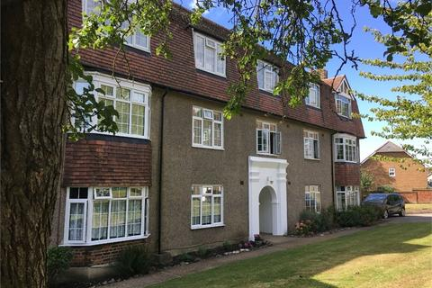 3 bedroom flat for sale - Kingston Road, Ewell Village