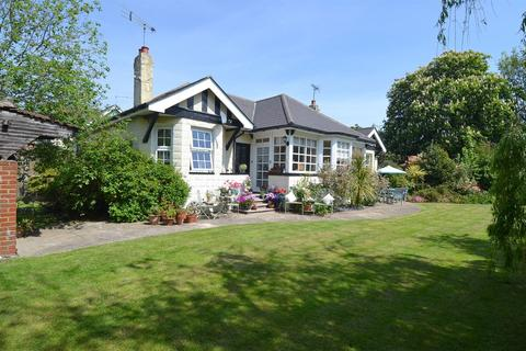 6 bedroom detached bungalow for sale - Ellis Road, Tankerton, Whitstable
