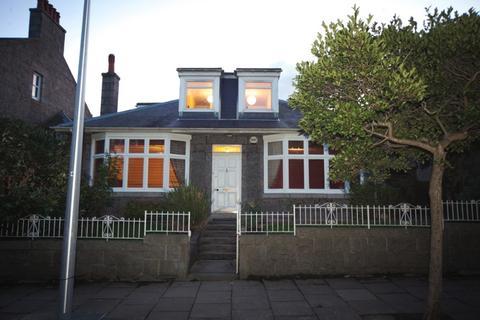 5 bedroom detached house to rent - Richmondhill Place, West End, Aberdeen, AB15 5EN