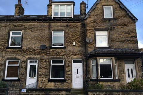 4 bedroom terraced house to rent - Myrtle Avenue, Bingley, BD16 1EW