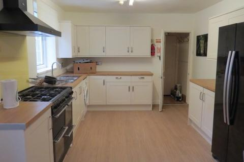 8 bedroom detached house to rent - 5, Beach Road, Southsea, Hants, PO5 2JH