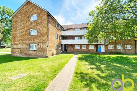 1 bedroom ground floor flat - Padnall Road, Chadwell Heath