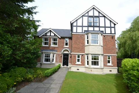 5 bedroom detached house to rent - Holland Park, Bramhall