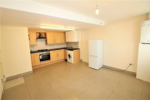 2 bedroom flat to rent - Holmesdale Road, South Norwood