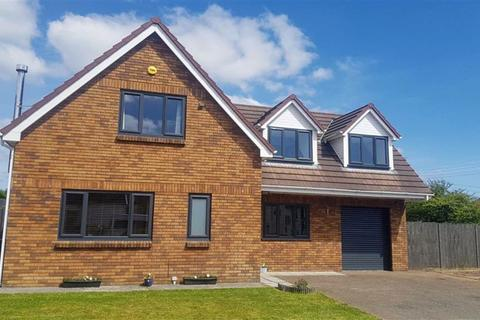 4 bedroom detached house for sale - The Croft, Loughor, Swansea