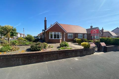 2 bedroom semi-detached bungalow for sale - Norwood Road, Lytham St Annes, FY8