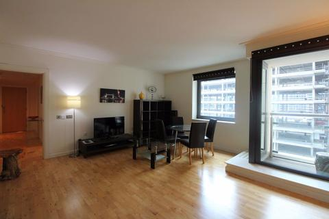 2 bedroom flat to rent - Discovery Dock East, South Quay