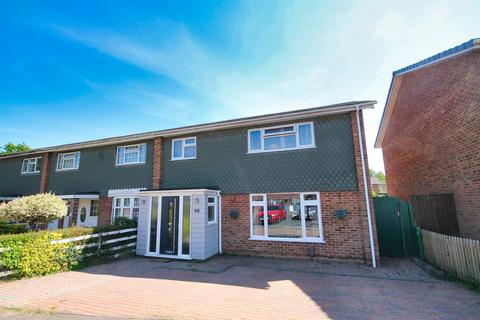 4 bedroom end of terrace house for sale - Millfield, Creekmoor, Poole