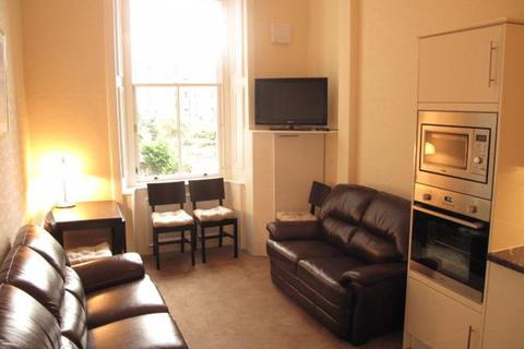 3 bedroom flat to rent - BRUNTON PLACE, HILLSIDE, EH7 5EG