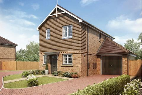 3 bedroom detached house for sale - Shelvers Way, Tadworth