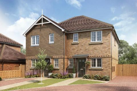 2 bedroom semi-detached house for sale - Shelvers Way, Tadworth
