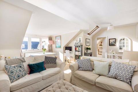 2 bedroom flat for sale - Elmbourne Road, Balham