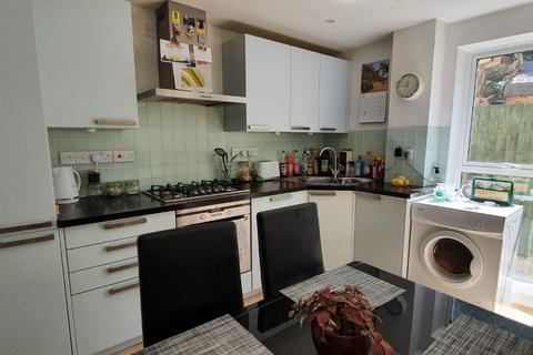 3 bedroom semi-detached house to rent - Libertus Place, off Libertus Road, Cheltenham GL51