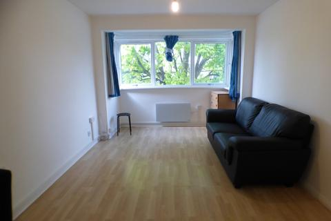Studio to rent - Deanswood, Maidstone Road, Bounds Green, N11