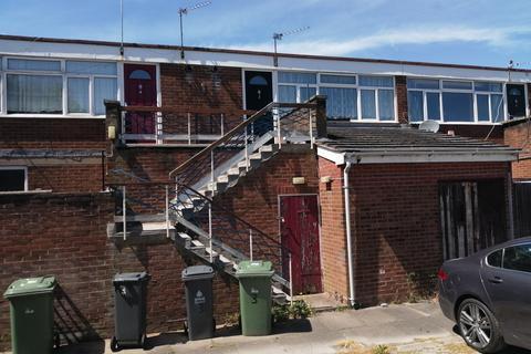 2 bedroom flat to rent - Appledore Terrace, Appledore Road, Walsall, West Midlands WS5