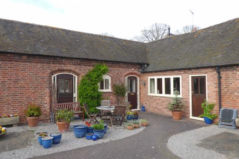 2 bedroom barn conversion to rent - 2 Fountain Court, Teddesley Park Estate, Penkridge, ST19 5RQ
