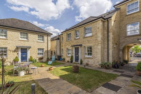 2 bedroom flat for sale - Market Square, Bampton, OX18