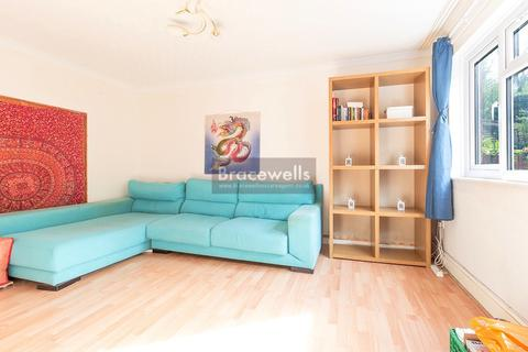 3 bedroom terraced house to rent - Beattock Rise, Muswell Hill N10