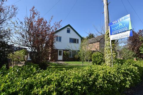 5 bedroom detached house to rent - Church Road, Warton, PR4