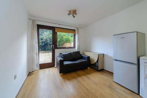 3 bedroom flat to rent - Worcester Mews, West Hampstead NW6