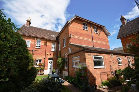 2 bedroom ground floor flat to rent - Adelaide Square, Bedford