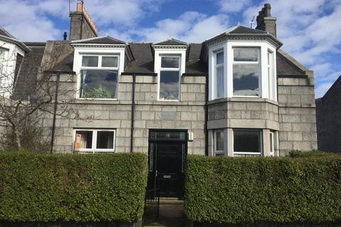 3 bedroom flat to rent - Bedford Place, Aberdeen, AB24
