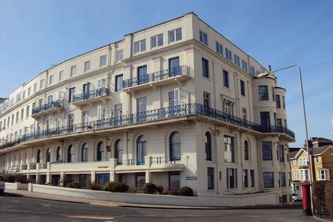 3 bedroom flat to rent - Wessex Court, Esplanade, Scarborough