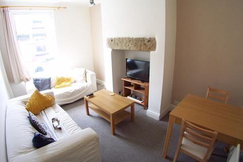 2 bedroom terraced house to rent - Thornville Place, Leeds