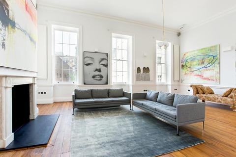 2 bedroom flat to rent - Hertford Street, Mayfair, London, W1J