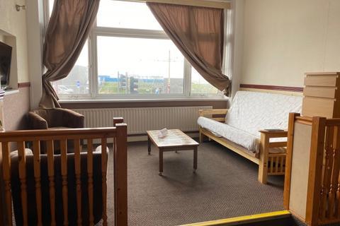 1 bedroom flat to rent - The Promenade,  Blackpool, FY1