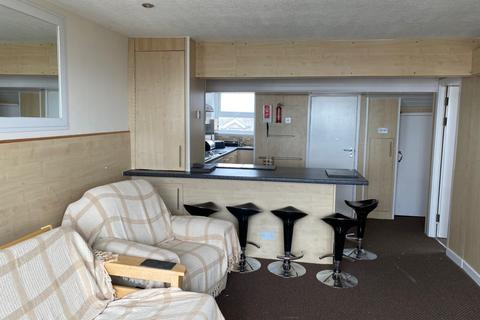 2 bedroom flat to rent - The Promenade,  Blackpool, FY1