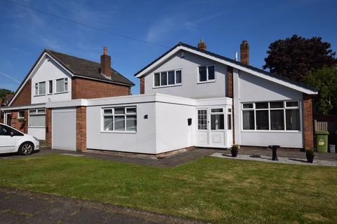 3 bedroom detached house for sale - Linden Way, Farnworth