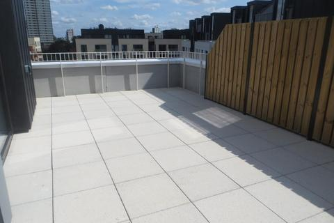 3 bedroom penthouse to rent - Giles House, 10 Forrester Way, Stratford, London, E15 1GJ