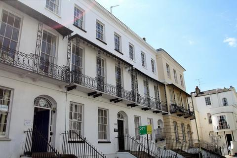 2 bedroom flat to rent - Garwood House , Wellington Street, Cheltenham