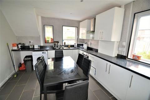 1 bedroom house share to rent - Matlock Avenue, Salford