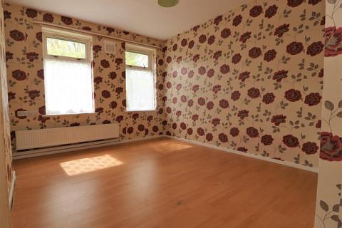 2 bedroom flat to rent - Sykes Street, Hull
