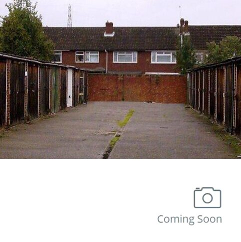 Property to rent - Garage to let Abridge Close, Waltham Cross
