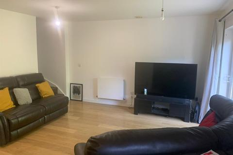 2 bedroom terraced house to rent - Magnetic Crescent, Enfield