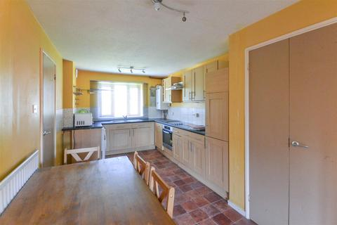 3 bedroom maisonette to rent - Derwent Road, Raynes Park