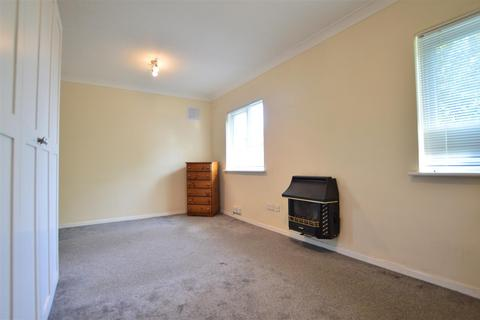 Studio to rent - Braemar Gardens, Cippenham, Slough, Berkshire