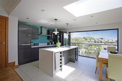 4 bedroom detached house for sale - Millcroft, Brighton