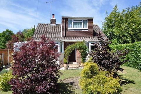 3 bedroom chalet for sale - Farnham Road, Farnham, Surrey