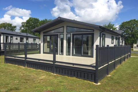 2 bedroom lodge for sale - Allerthorpe East Riding of Yorkshire