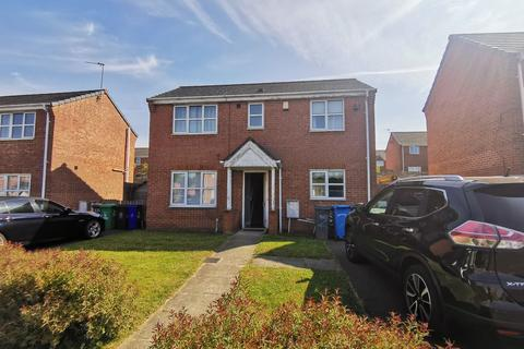 3 bedroom detached house to rent - Essington Drive, Manchester, M40 8BH