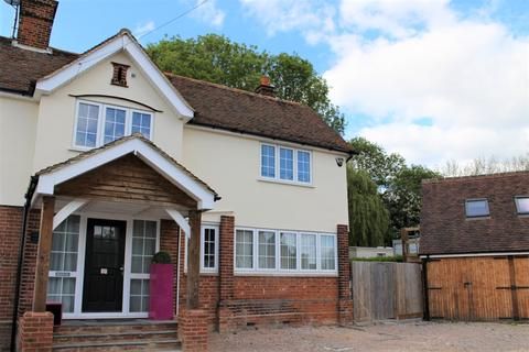 Studio to rent - Whitewebs Cottage, Main Road, Ingatestone, Essex, CM4