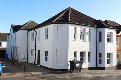 2 bedroom townhouse to rent - 15 mansfield road, parkstone, poole