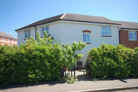 3 bedroom terraced house for sale - Culpepper Close, Aylesbury, Buckinghamshire
