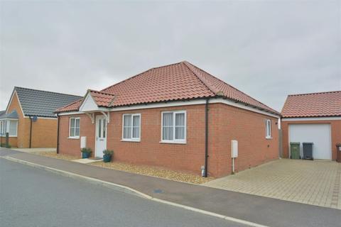 2 bedroom detached bungalow to rent - Harvest Way, Harleston
